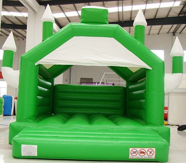 Hüpfburg Camelot grün/weiß 4m x 5m