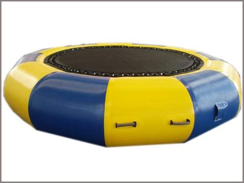 wasserspiele little trampolin auf bestellung auch mit. Black Bedroom Furniture Sets. Home Design Ideas